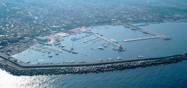 Dalla Commissione Ue arriva lo stop alle esenzioni fiscali per i porti italiani e spagnoli