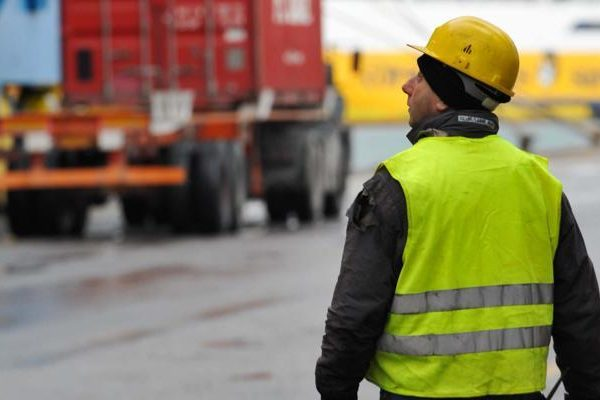 portuali, lavoratori marittimi