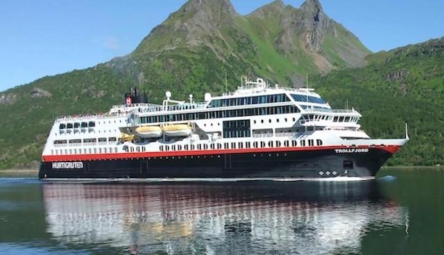Il carburante più green arriva dai pesci morti: gli scarti dell'industria ittica alimenteranno le navi della compagnia da crociera Hurtigruten