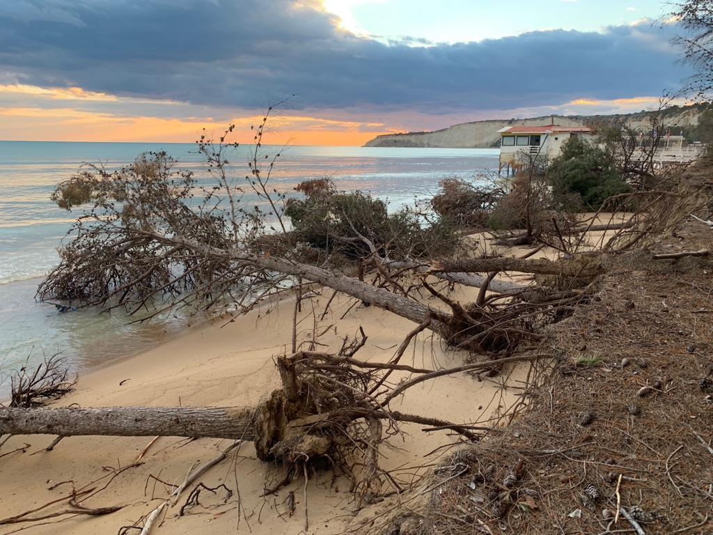 Eraclea Minoa, la spiaggia sta sparendo per l'erosione del mare