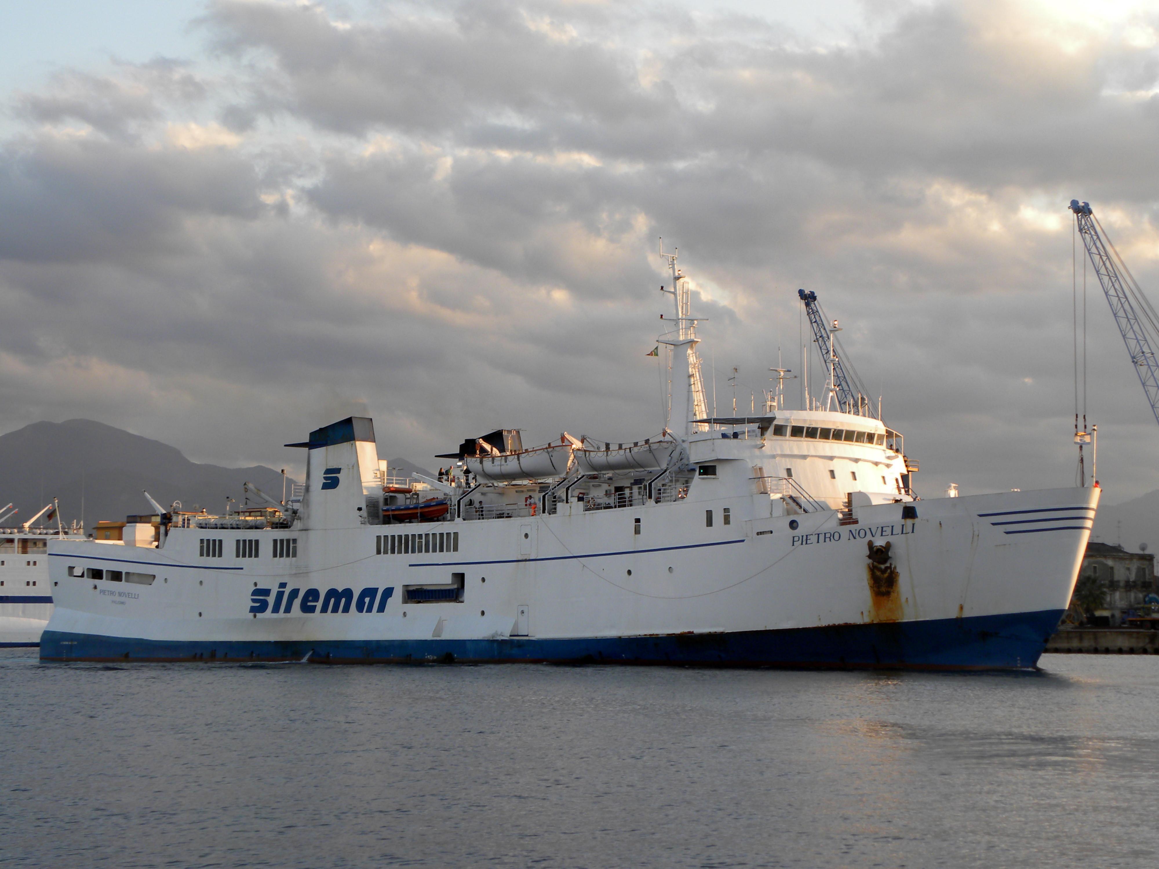Lampedusa, Martello: ancora disagi nel collegamento navale, se continua così denunciamo la Siremar