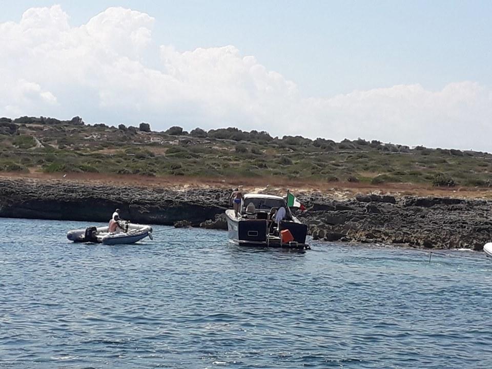 Imbarcazione da diporto si incaglia nell'Area Marina Protetta del Plemmirio