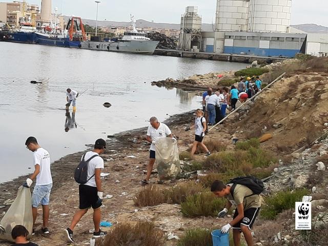 Licata, bonificata la spiaggia del Fratino dai volontari del WWF