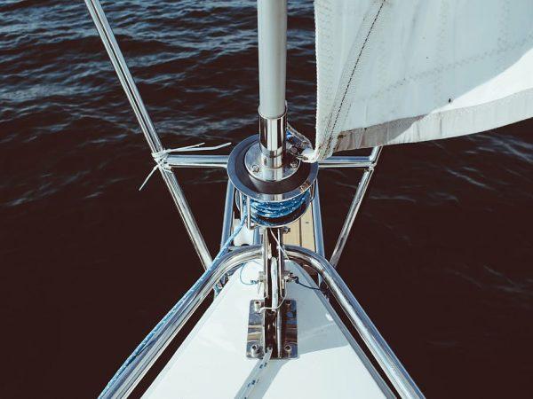 barca a soffitto bianco, grigio, acciaio, barca, cornice, barca a vela, corda, prua, acqua, mare
