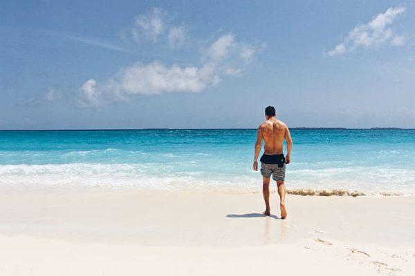 uomo, spiaggia estiva, viaggi, spiaggia, costa,